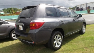 Toyota Highlander Base Gris Oscuro 2010