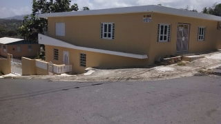 2 casas independientes en 1 - Venta por motivo de viaje