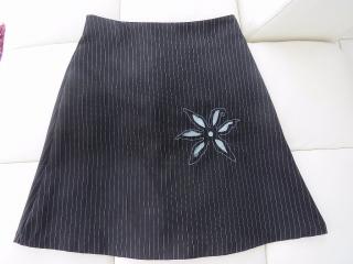 falda muy bonita negra size M