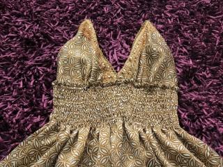 lindo vestido dorado