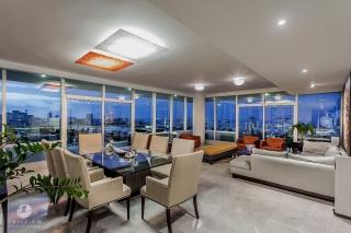 Cosmopolitan - Luxury and Glittering Views