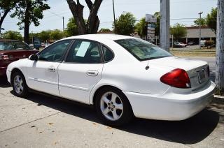 Ford Taurus Se White 2001